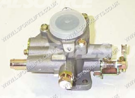 TOYOTA CARBURETOR (USED FROM 0889-0194) (LS5707)