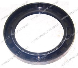 HYSTER OIL SEAL (LS5758)