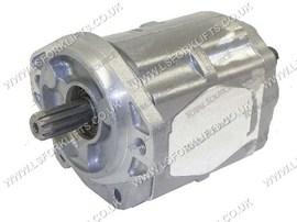 HYDRAULIC PUMP (USED FROM 0699-1200) (LS2584)
